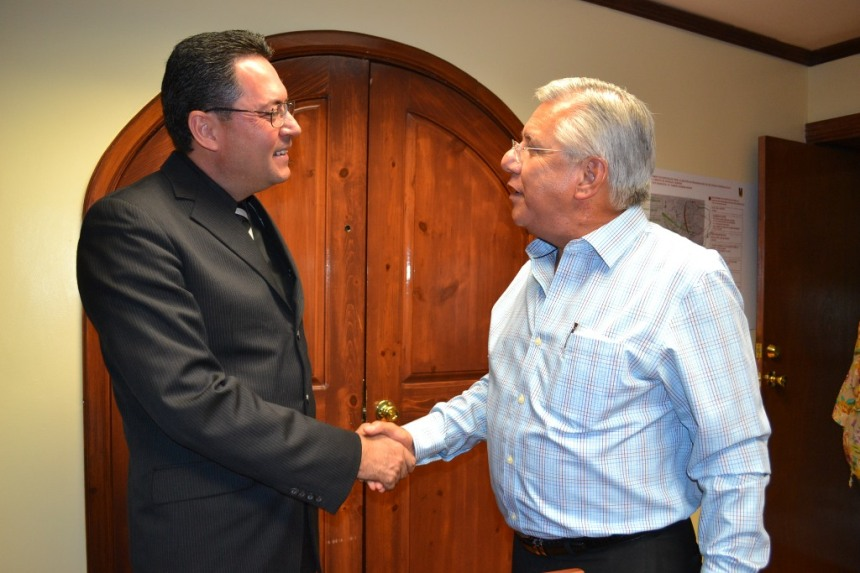 Se reúne RGM con Administrador del SAT en Nogales.