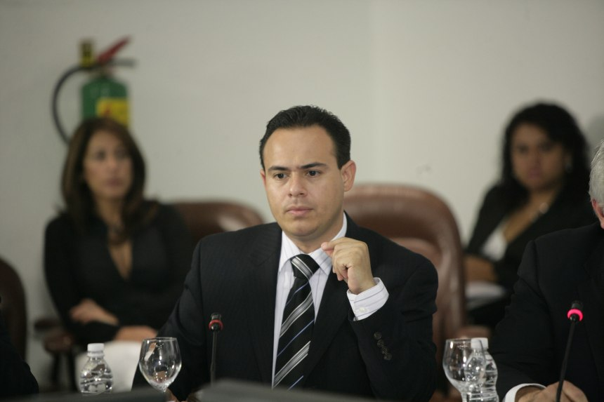 El alcalde de San Luis Río Colorado, Leonardo Guillen.