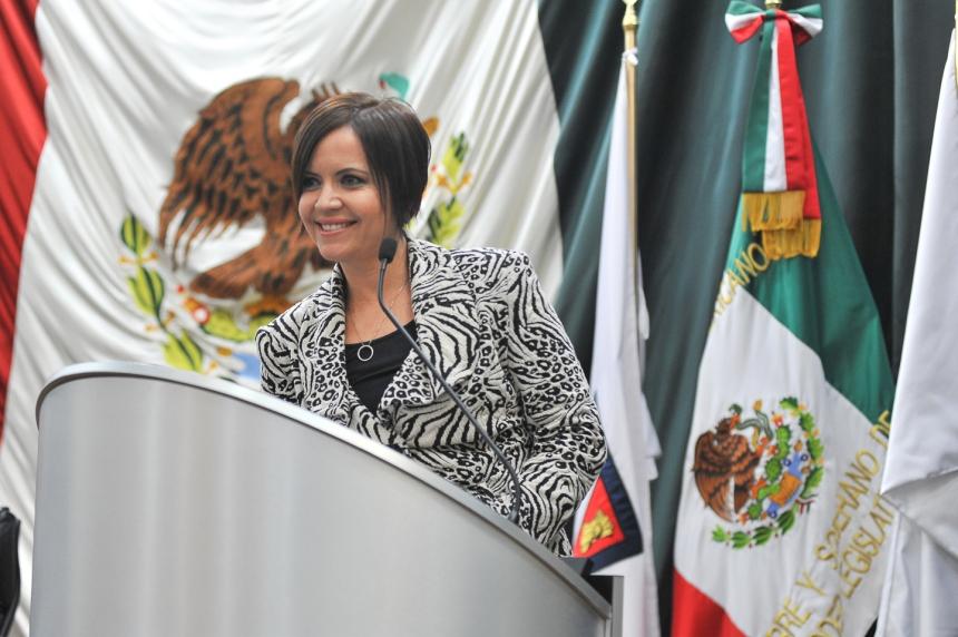 La diputada Mireya Almada Beltrán.