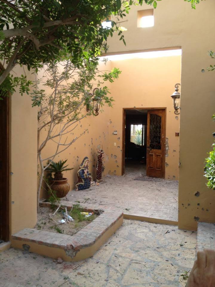 Una de las habitaciones de un hotel donde se registró parte del enfrentamiento.