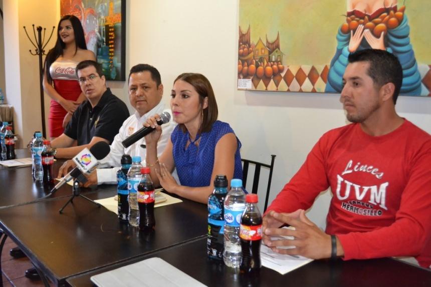 Organizadores durante el anuncio oficial.