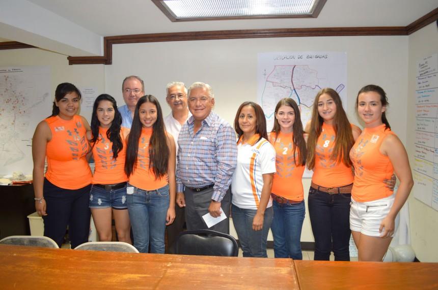 Agradecen apoyo a Alcalde selección de Sonora de voleibol.