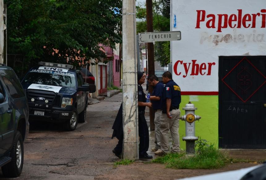 El narcotúnel fue hallado en el patio trasero de una papelería y café internet sobre la Fenochio.