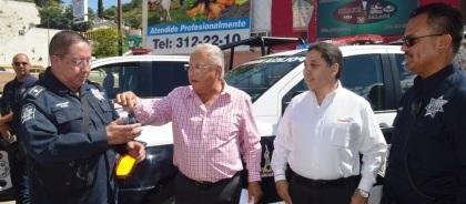 Entrega Alcalde cuatro nuevas patrullas (2)