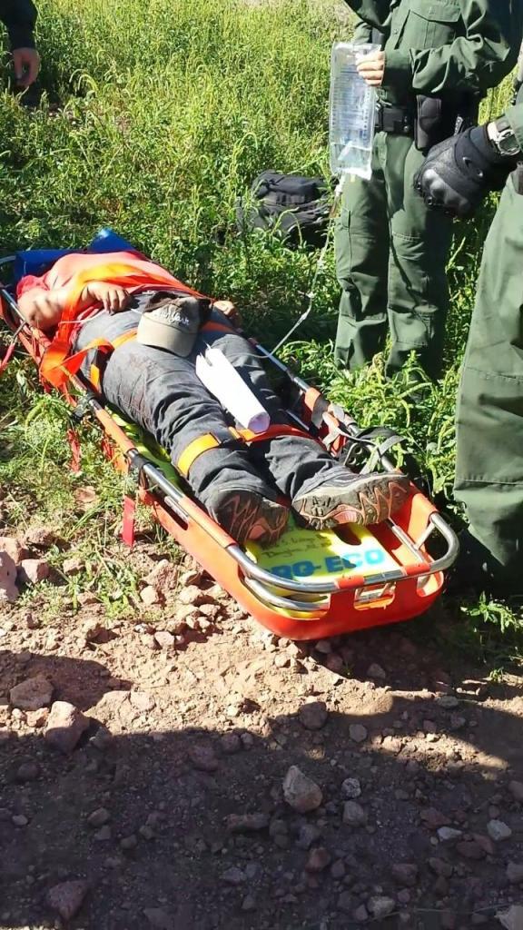 La mujer fue rescatada con vida.