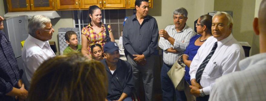 Cumple alcalde Ramón Guzmán y funcionarios con menaje de casa para la familia Zepeda Vázquez (4)