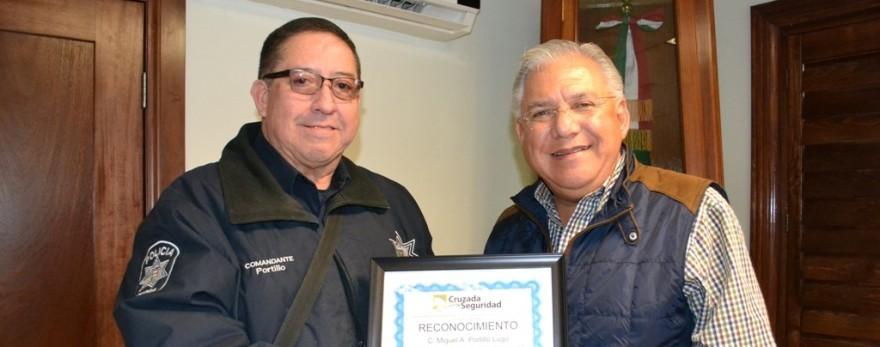 Recibe Alcalde el catorceavo reconocimiento por una Ciudad Segura  (1)