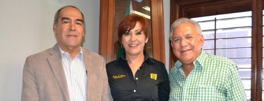 Se reúne Presidente Municipal con diputado local Carlos Ernesto Navarro López (1)