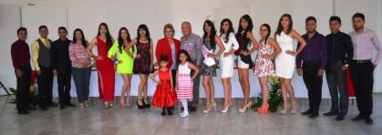 Presentan oficialmente a candidatas de la reina de las Fiestas de Mayo 2015 (3)