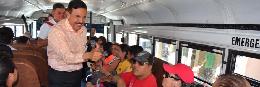 MAVAL EN EL TRANSPORTE PÚBLICO LLEVA SU MENSAJE AL PUEBLO PARA CAMBIAR LA HISTORIA