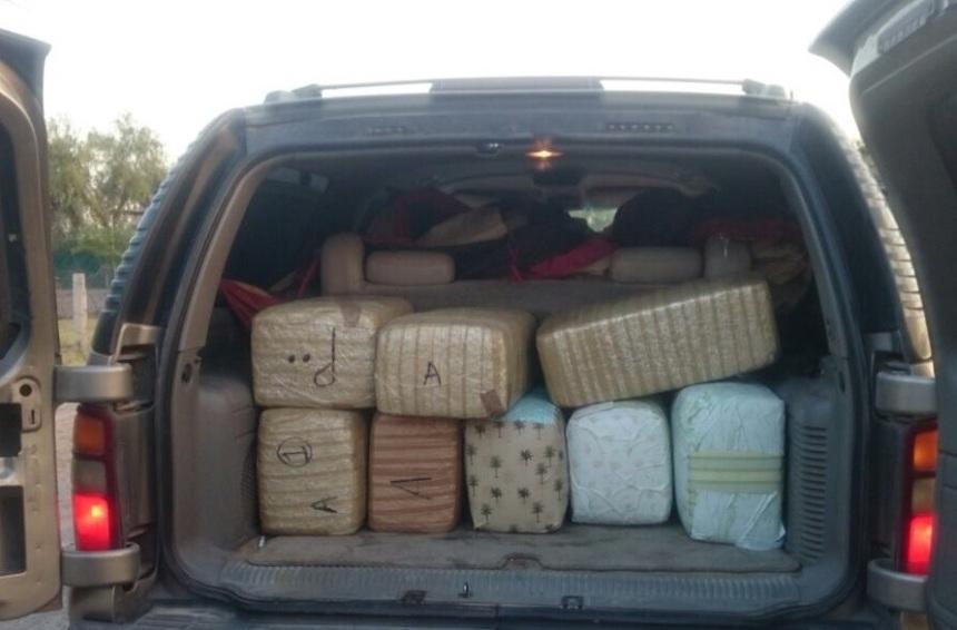 Los 84 kilos de droga en el interior del vehículo.