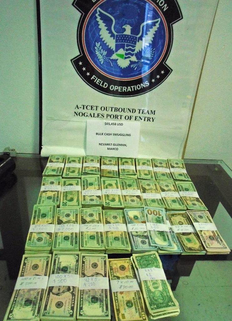 Dinero en efectivo decomisado.