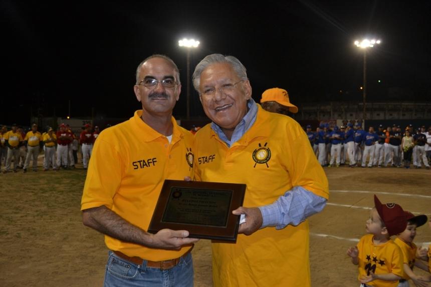 "Inaugura Presidente Municipal ""Campeonato Estatal de Softbol Veteranos 2015""."