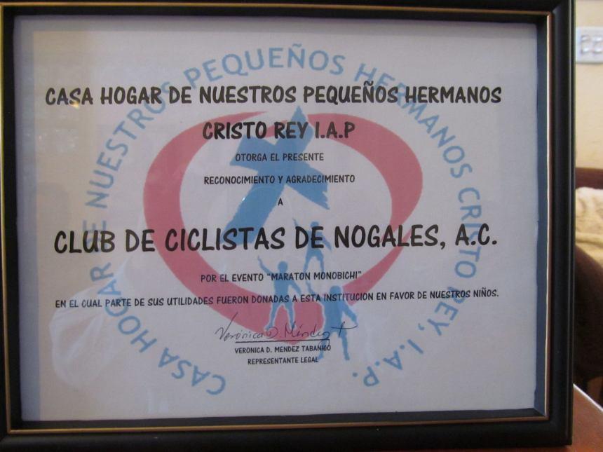 RECONOCIMIENTO A LOS CICLISTAS DE NOGALES.