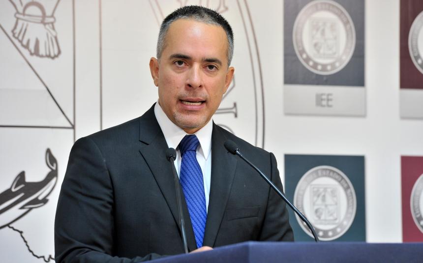 Carlos Navarro Sugich.